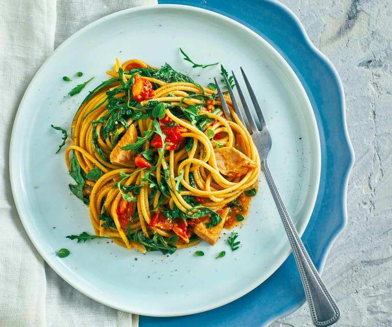 Spaghetti integrali, tonno, limone e rucola