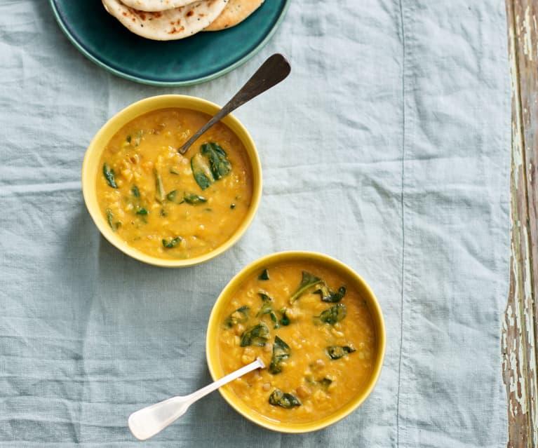 Sopa de batata-doce, lentilhas e espinafres