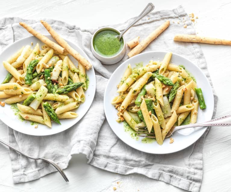 Pâtes aux asperges et pesto
