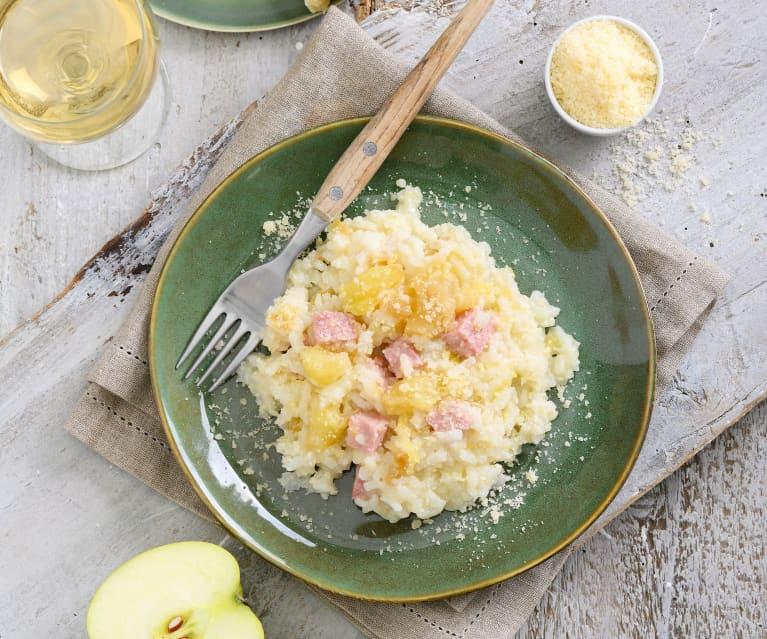 Apfel-Risotto mit gekochtem Schinken