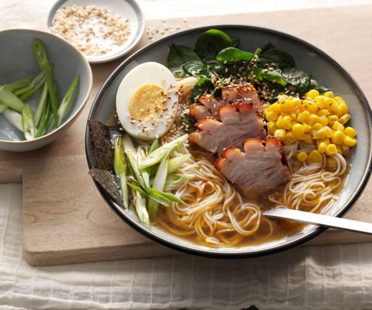 Sopa de fideos japoneses