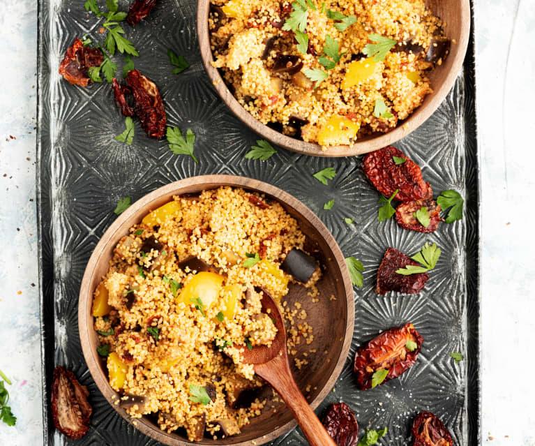 Ensalada de cuscús con berenjena, pimiento y tomates cherry