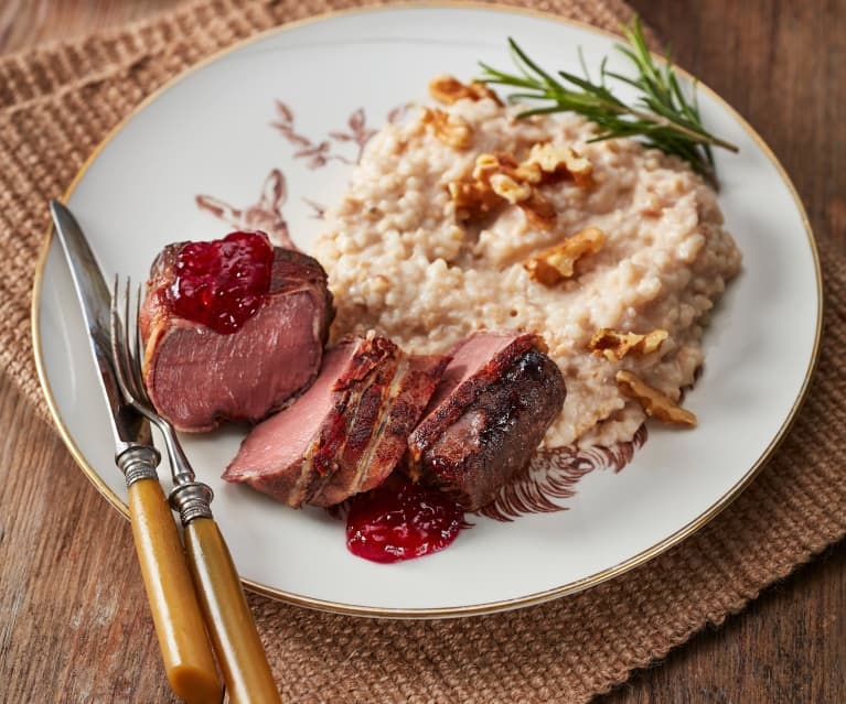 Rehmedaillons mit Walnussrisotto