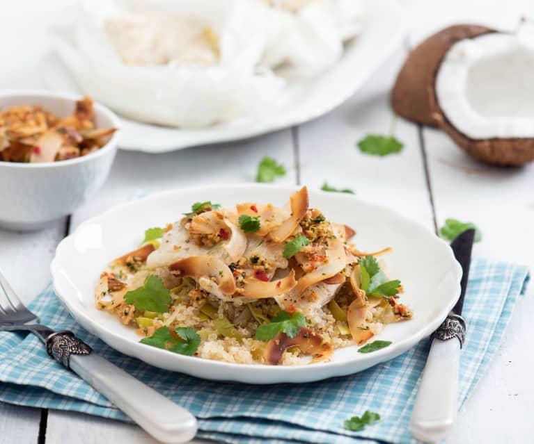 Ryba w papilotach ze świeżym kokosem, quinoa i porem