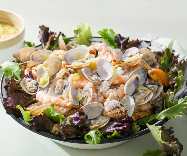 Ensalada de frutos del mar con vinagreta de puerro