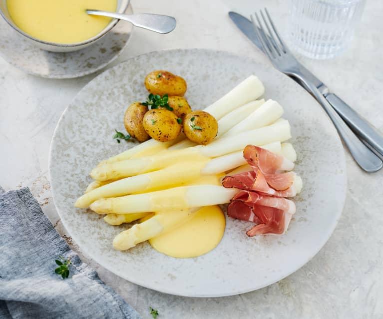 Spargel und Kartoffeln mit Sauce Hollandaise