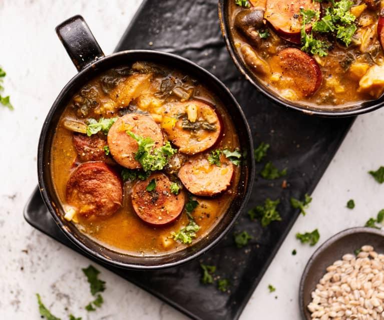 Ragoût de champignons, saucisses et l'orge