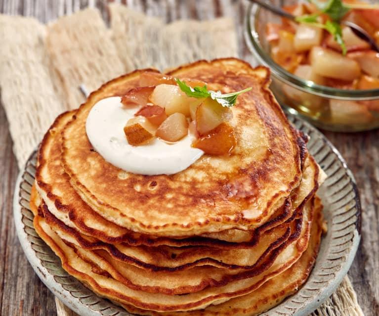 Pfannkuchen mit Birne und Vanillejoghurt