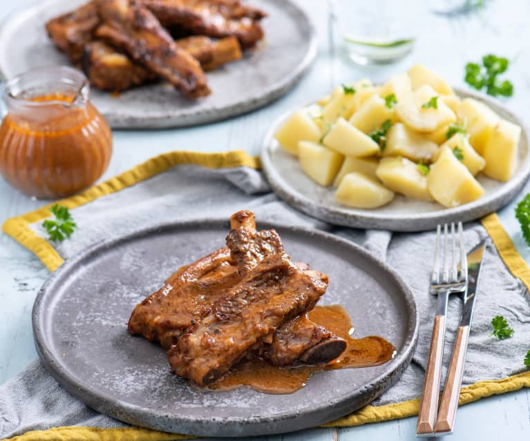 Slow cooked ribs in smoked paprika barbecue sauce