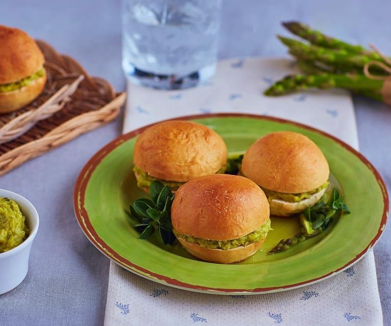 Canapè con patè di asparagi