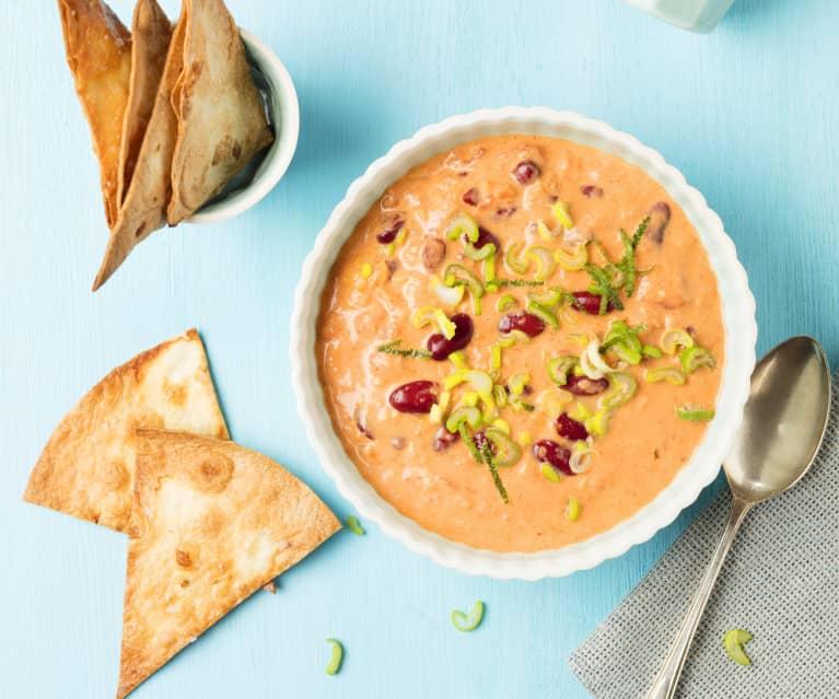 Cremige Kidneybohnen-Kokos-Suppe mit Tortilla-Chips