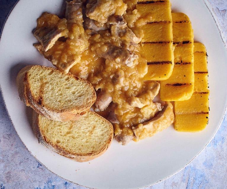 Lonza, salsicce e cipolle