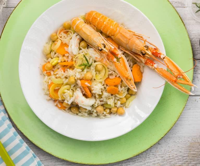 Insalata di riso con scampi, ceci e olio al rosmarino
