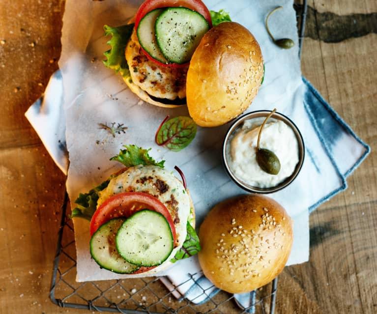 Fischburger mit Limetten-Kapern-Mayonnaise