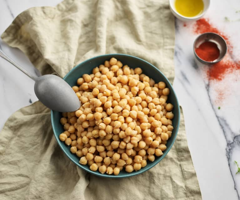 Slow cooked chickpeas (TM6)