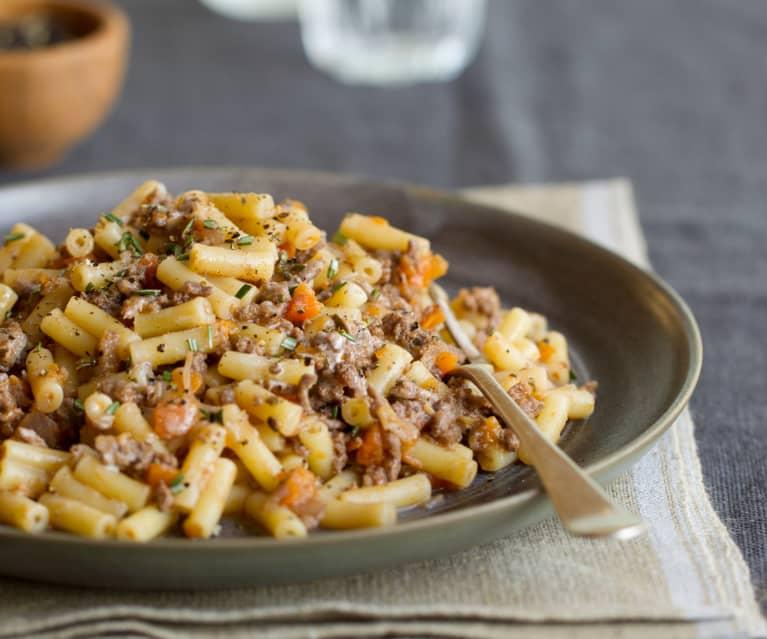 Beef-Ragout with Macaroni
