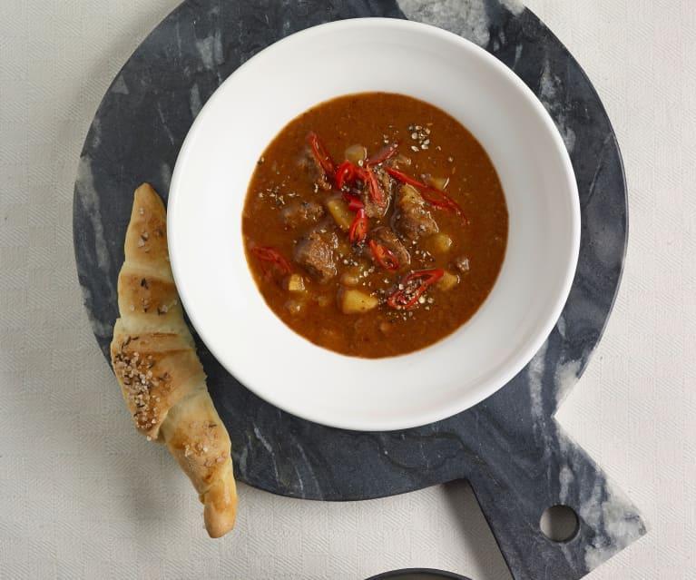 Gulášová polévka s balzamikem