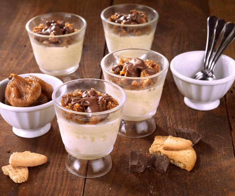 Cookie Ice Cream with Figs and Chocolate