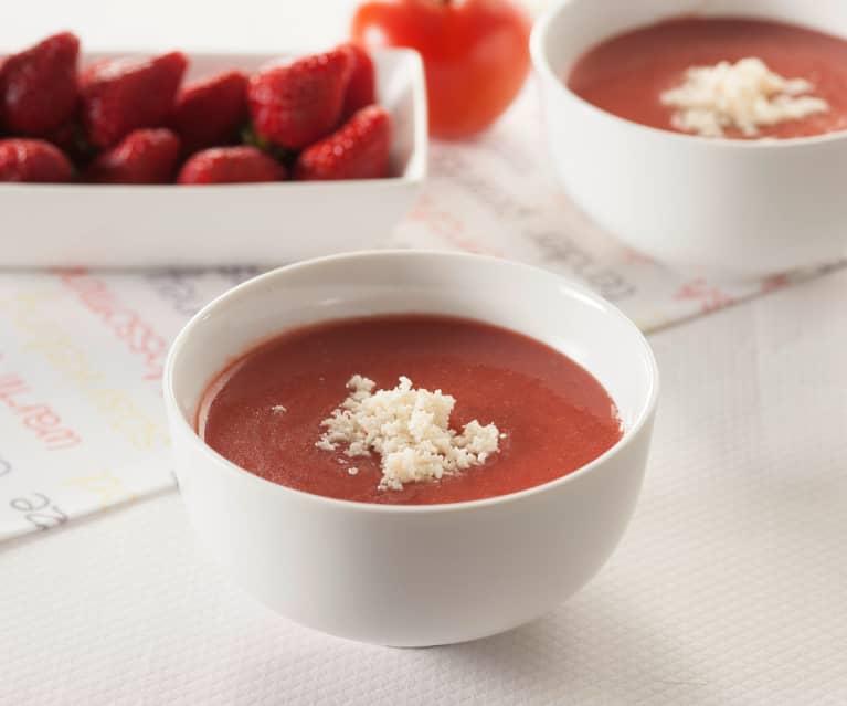 Gazpacho truskawkowe z kozim serem