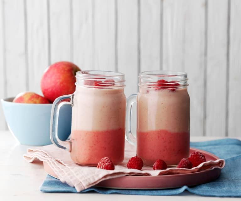 Smoothie bicolor de frutos rojos y manzana