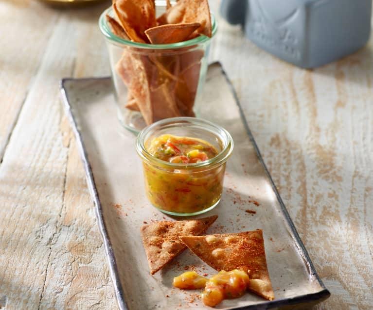 Tortilla-Chips mit Tomaten-Mango-Salsa