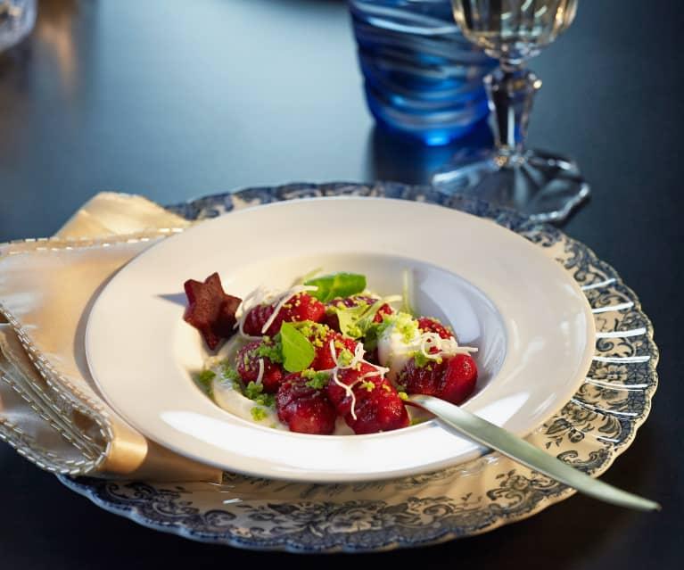 Rote Rüben Gnocchi mit Krenmousse