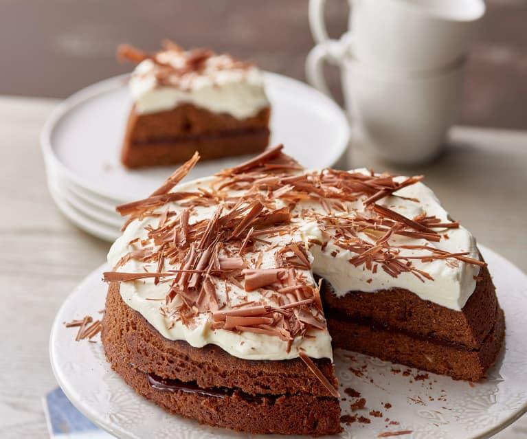 Gestoomde chocoladecake met slagroom