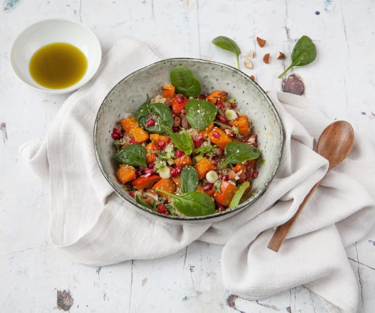 Quinoasalat mit Granatapfel und Kürbis