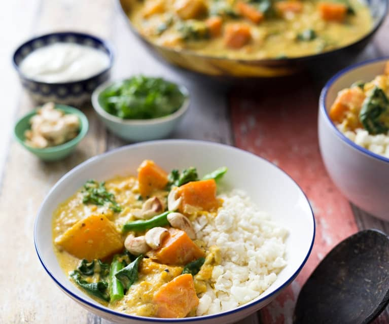 Vegetable curry with cauliflower couscous