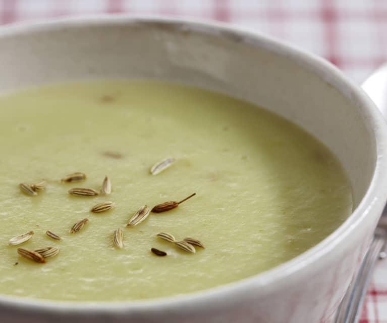 Soupe poireaux-pommes de terre au fenouil