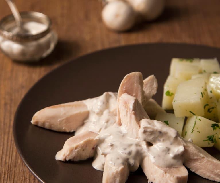 Kipfilet met champignonsaus en aardappelen