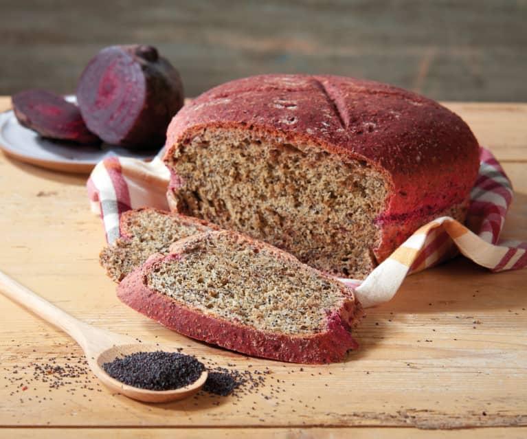 Pane alla barbabietola con semi di papavero