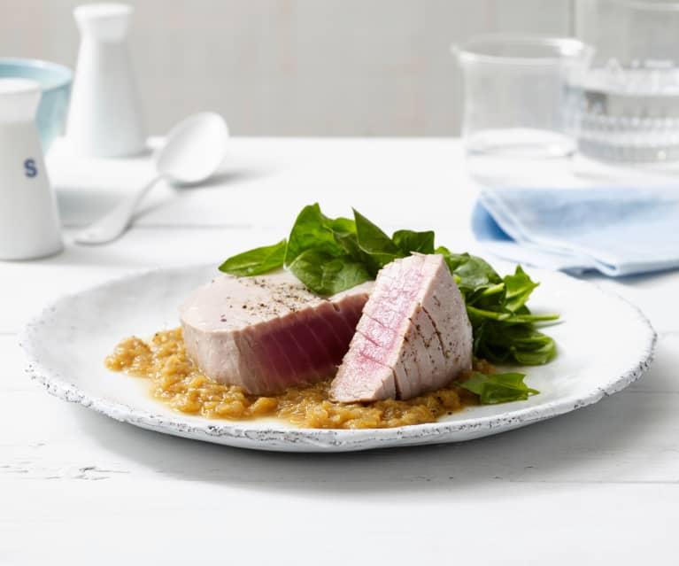 Trancio di tonno con cremosa di cipolle