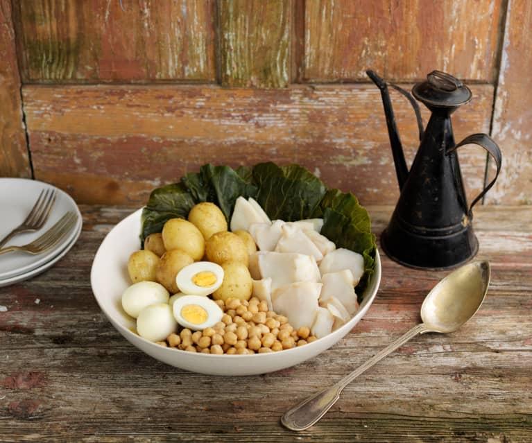 Baccalà con patate, uova, cavolo e ceci
