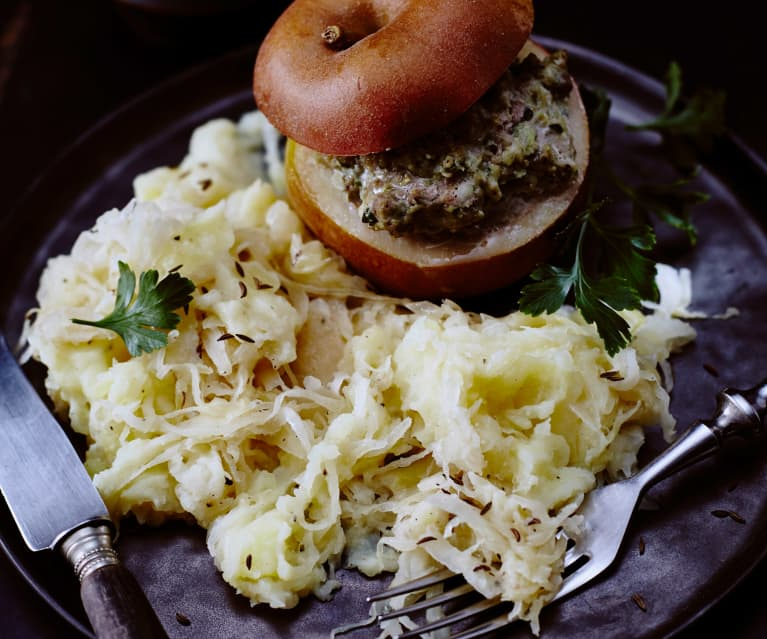 Gefüllte Äpfel mit Hackfleisch und Kartoffel-Sauerkraut-Stampf
