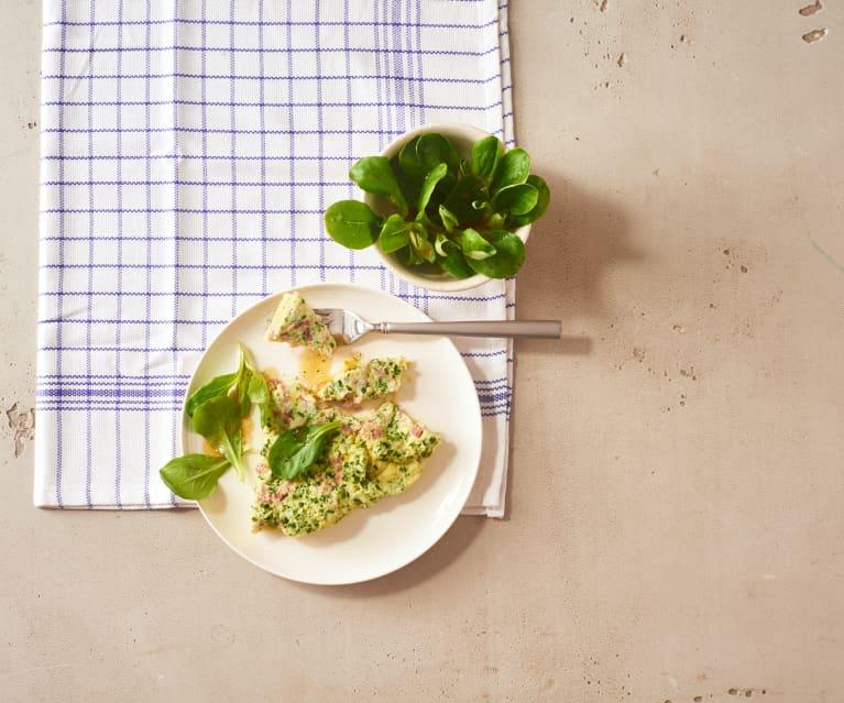 Käse-Schinken-Omelette mit Feldsalat