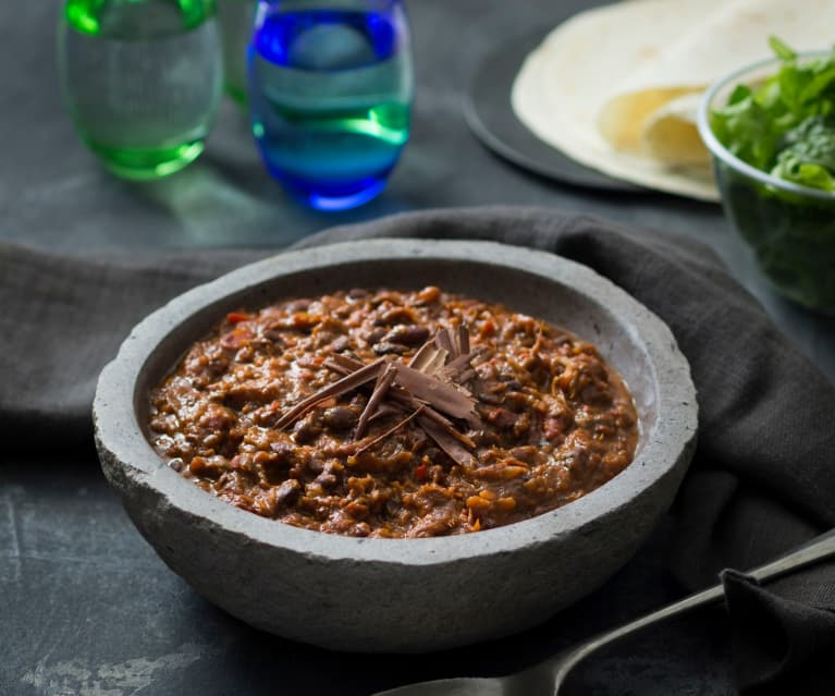 Black bean molè (black bean chocolate chilli)