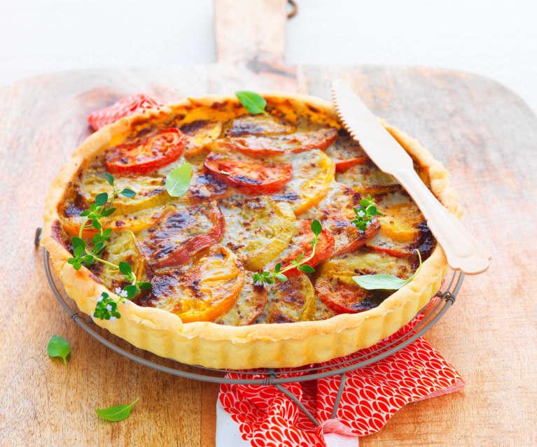 Tarte aux tomates de couleur et roquefort