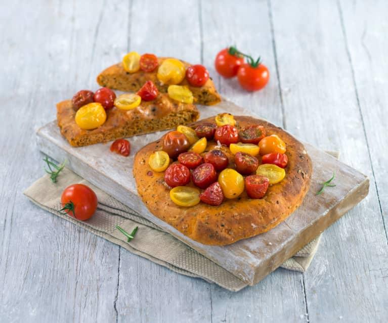 Tomatenfladen mit Oliven