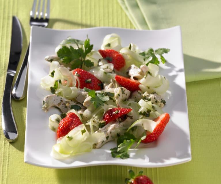 Erdbeer-Gurken-Salat mit Hähnchen