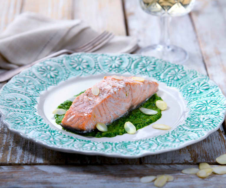 Trancio di salmone, spinaci e mandorle (senza glutine)