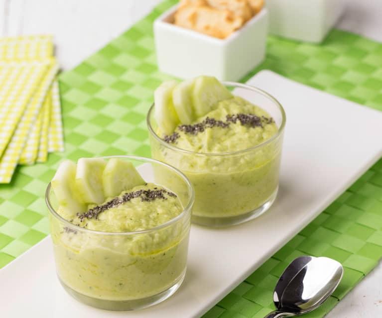 Vellutata fredda avocado, cetrioli e cumino