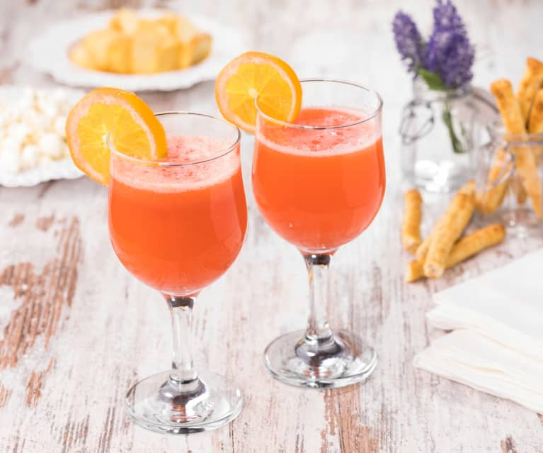 Strawberry and Ginger Spritz