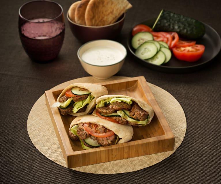 Kofta de cordero en pan pita - Turquía