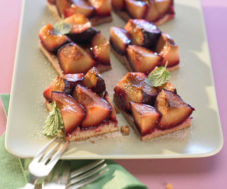 Kynutý švestkový koláč na plech