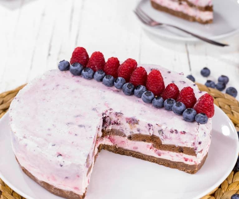 Torta gelato ai frutti rossi e biscotti