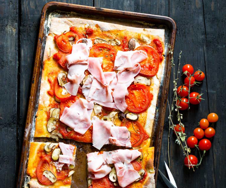 Pizza aux champignons et au jambon