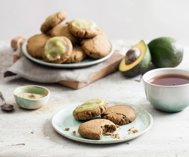 Ciastka ryżowo-migdałowe z herbatą matcha i lukrem z awokado