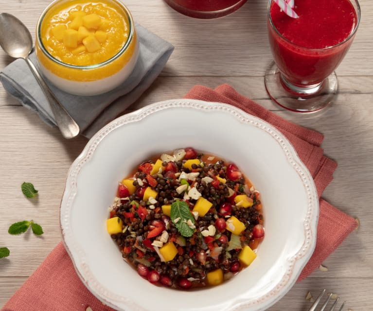 Menü: Geeister Himbeerdrink, fruchtiger Linsensalat & Kokospudding