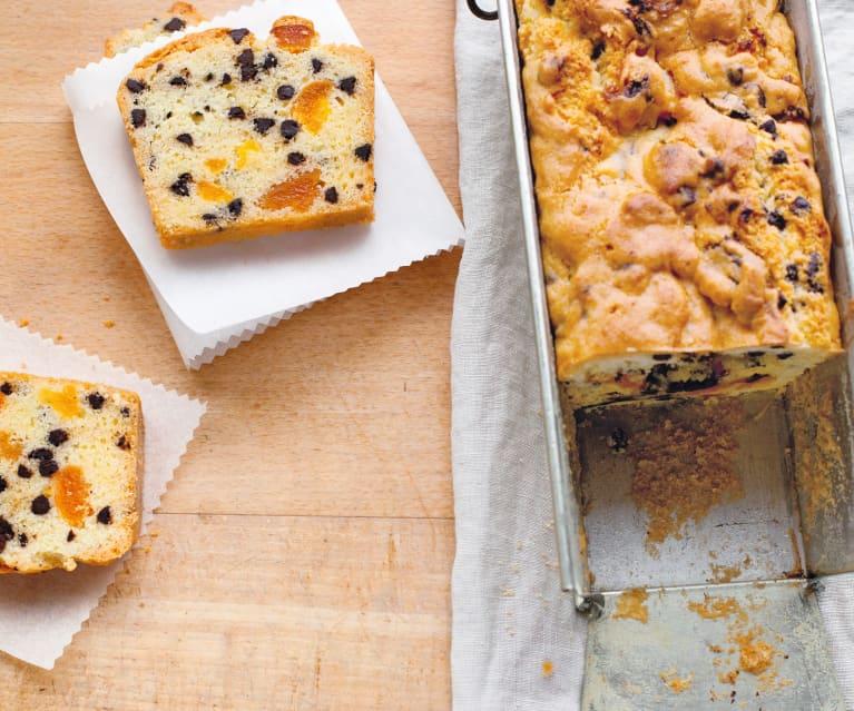Cake aux pépites de chocolat et aux abricots